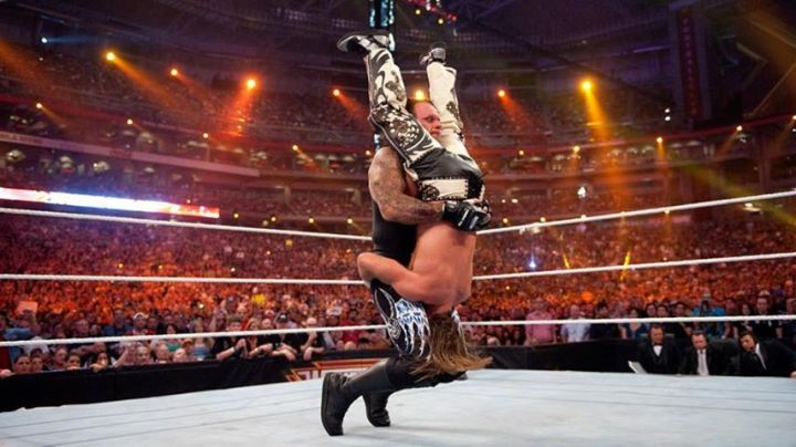 Tombstone pile driver